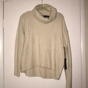 NWT Rachel Zoe Cream turtle neck sweater